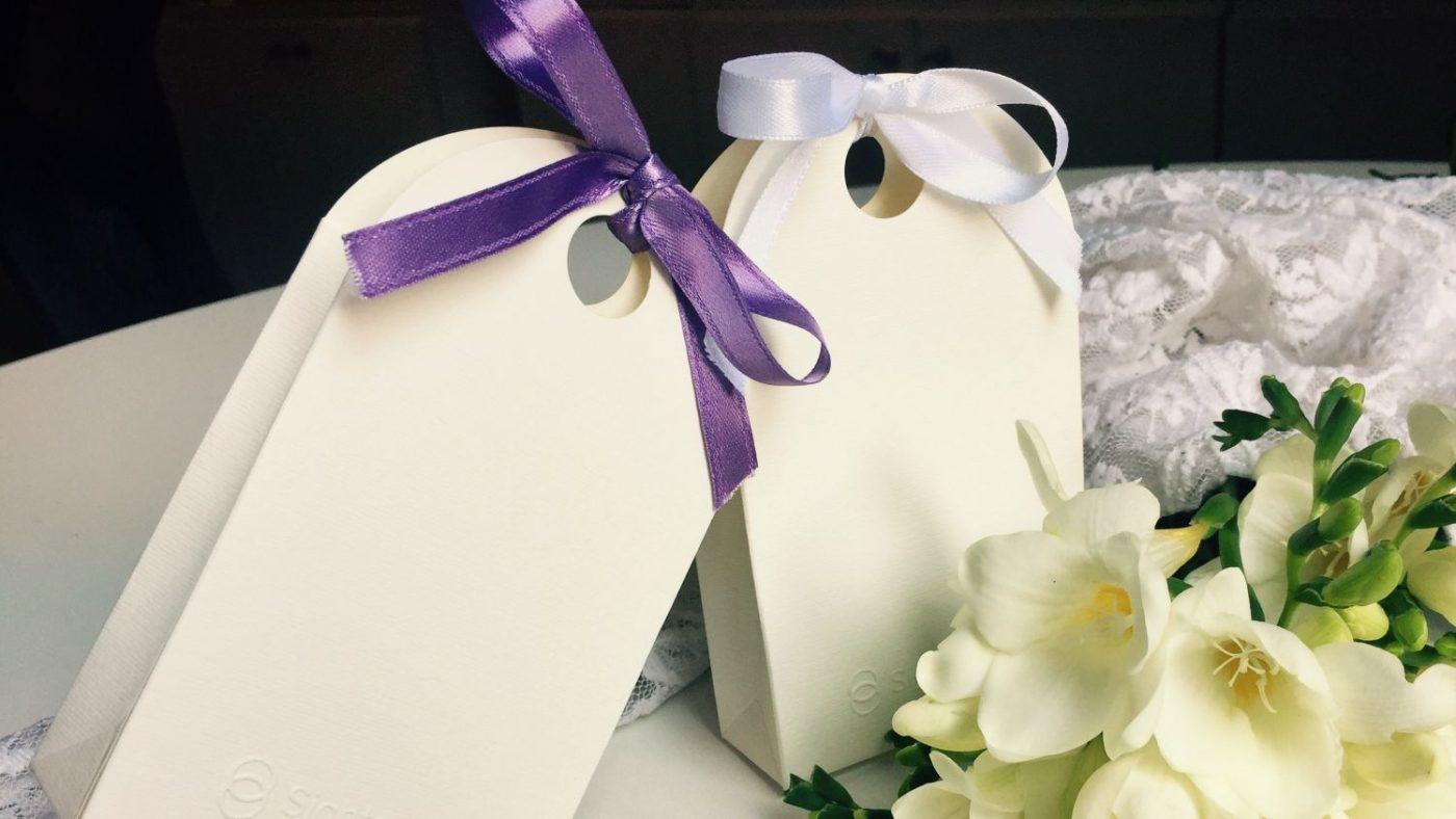 due scatoline con fiori