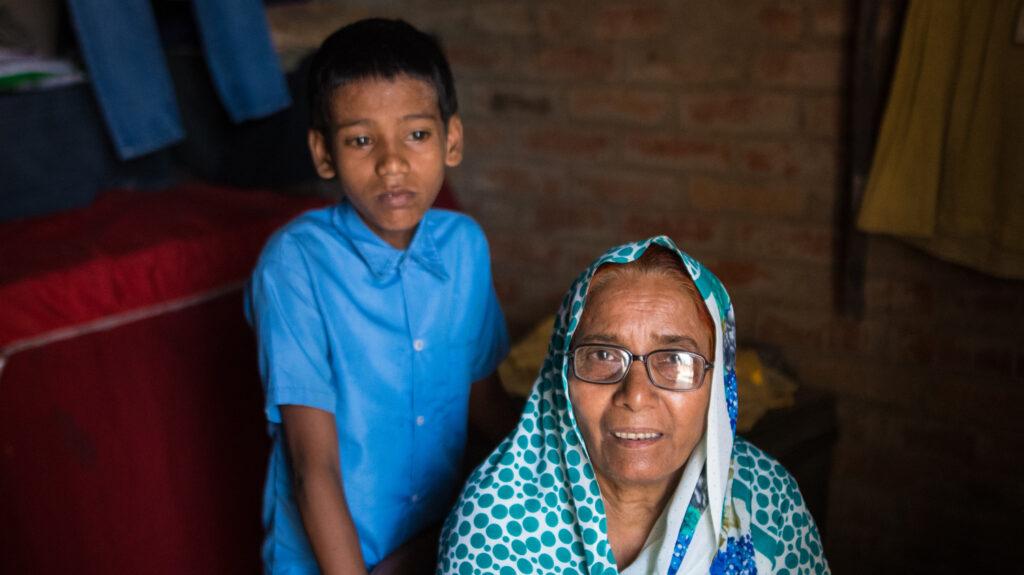 Shahid con la sua nonna.
